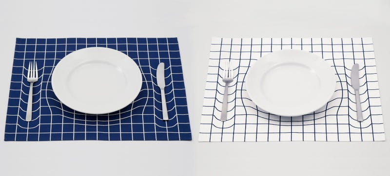 Illustration for article titled Optical Illusion Placemats Provide Subliminal Portion Control