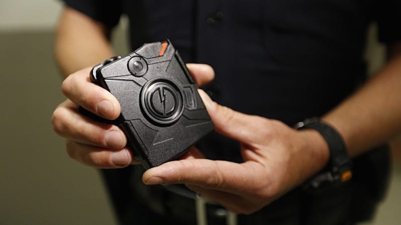 Illustration for article titled Los Angeles Police Department Distributes Body Cameras To Officers