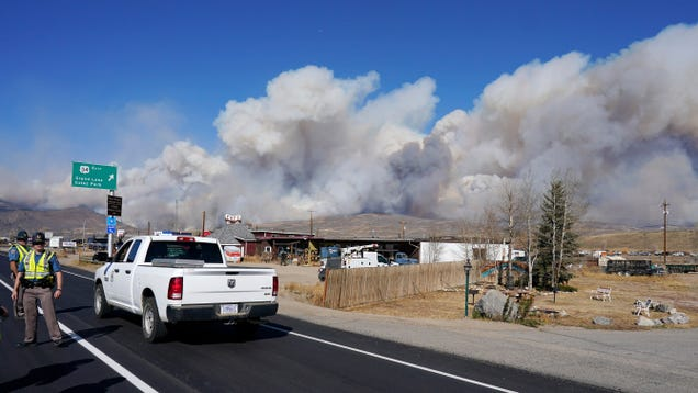 A Colorado Wildfire Just Climbed Over the Rockies. In October.