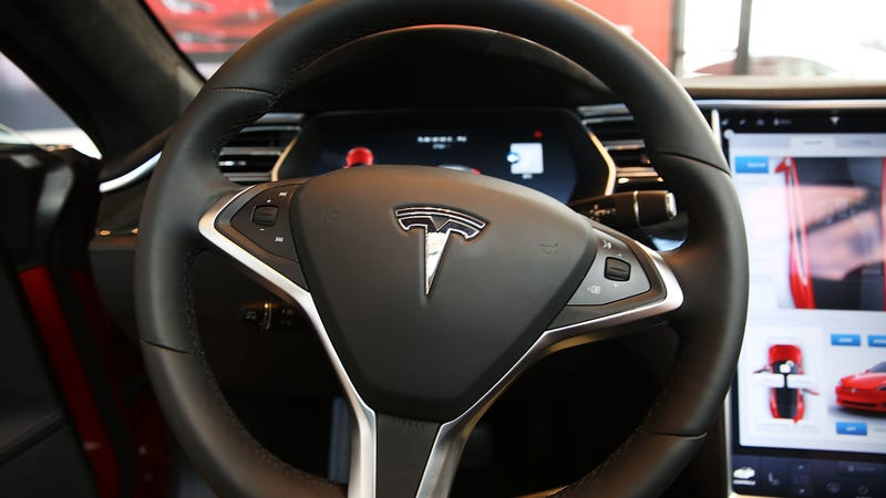 Tesla Driver Claims He Got A Ticket Dismissed After Using Autopilot