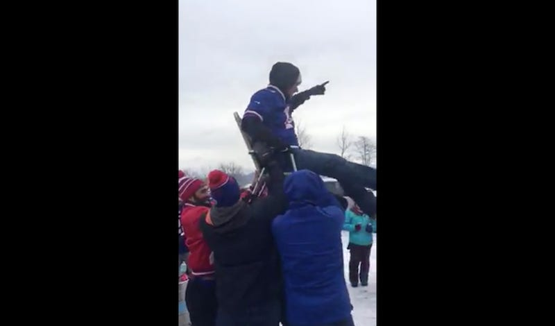 Illustration for article titled Bills Fans Combine A Hora And Keg Stand