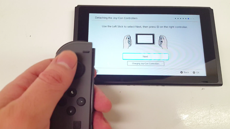 Illustration for article titled Guy Gets Switch Two Weeks Early, Shows Off UI