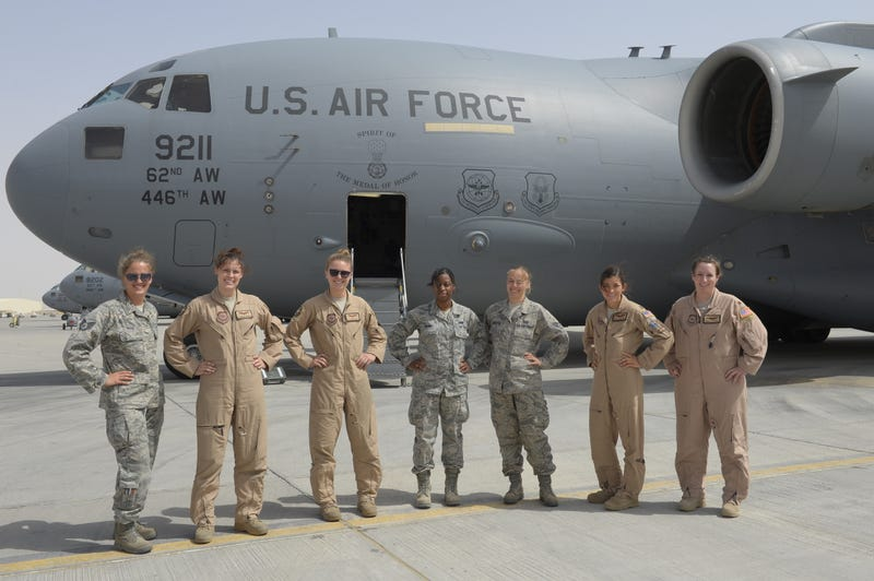 Illustration for article titled This All Female C-17 Crew Gets It Done During Exercise Eager Lion