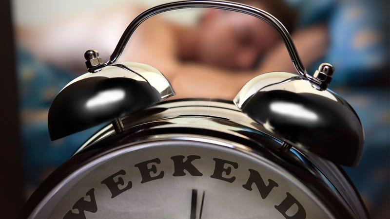 Illustration for article titled Do You Sleep in on The Weekend?