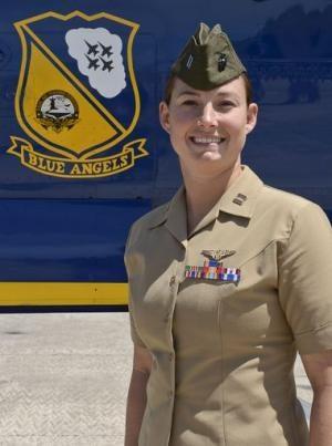 Illustration for article titled First Female Pilot Joins Blue Angels Flight Demonstration Sqn.