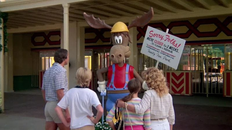 Illustration for article titled Sorry folks, the National Lampoon's Vacation roller coaster is closing—moose out front should've told you