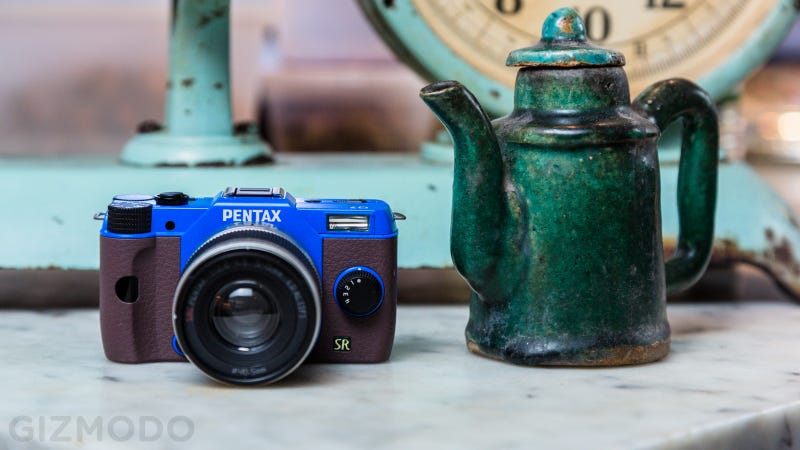 Illustration for article titled Pentax's Q7 Interchangeable-Lens Camera Is Tiny Like a Point-and-Shoot