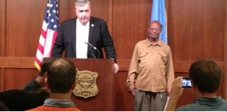 Boston Police Commissioner Edward Davis recognizes Glen James at a news conference. (Twitter @BerniceWBZ)