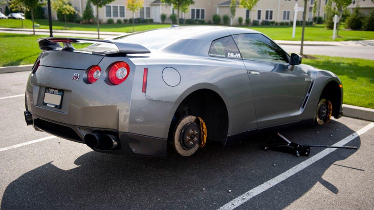Even Nissan Gt Rs Get Their Wheels Stolen R Rims