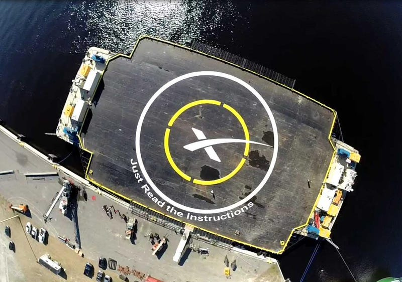 Illustration for article titled SpaceX Is About To Attempt Another Barge-Landing – Watch It Live!