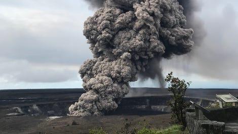 Authorities Warn Hawaii's Kilauea Volcano Could ...