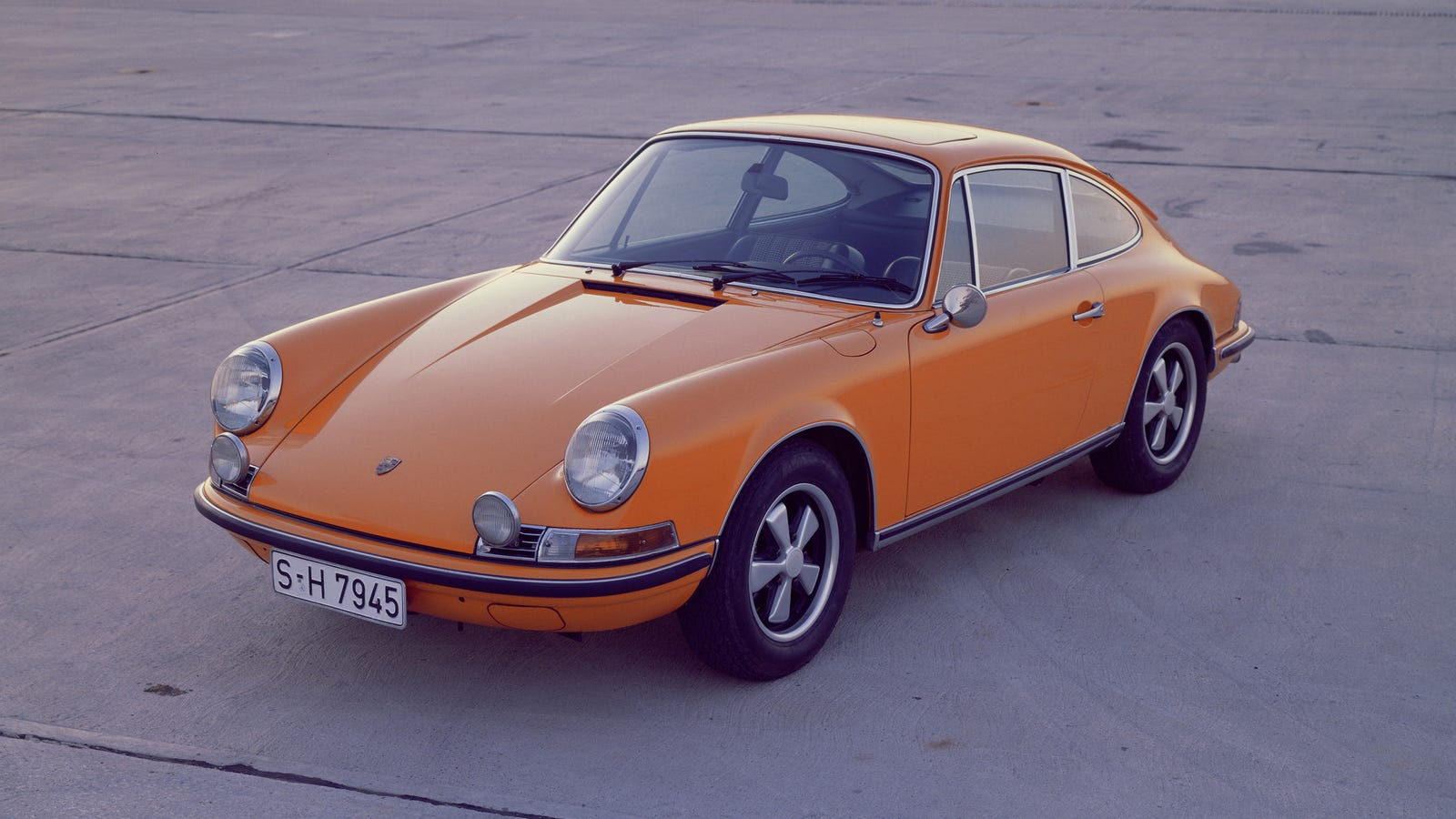 you could be able to buy a 39 brand new 39 vintage porsche 911 soon. Black Bedroom Furniture Sets. Home Design Ideas