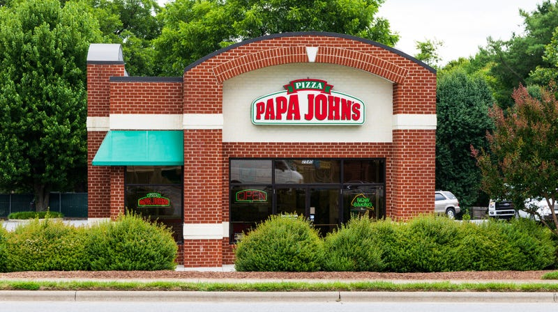 Illustration for article titled Guess which 2 chains that aren't Papa John's closed more restaurants than they opened this year