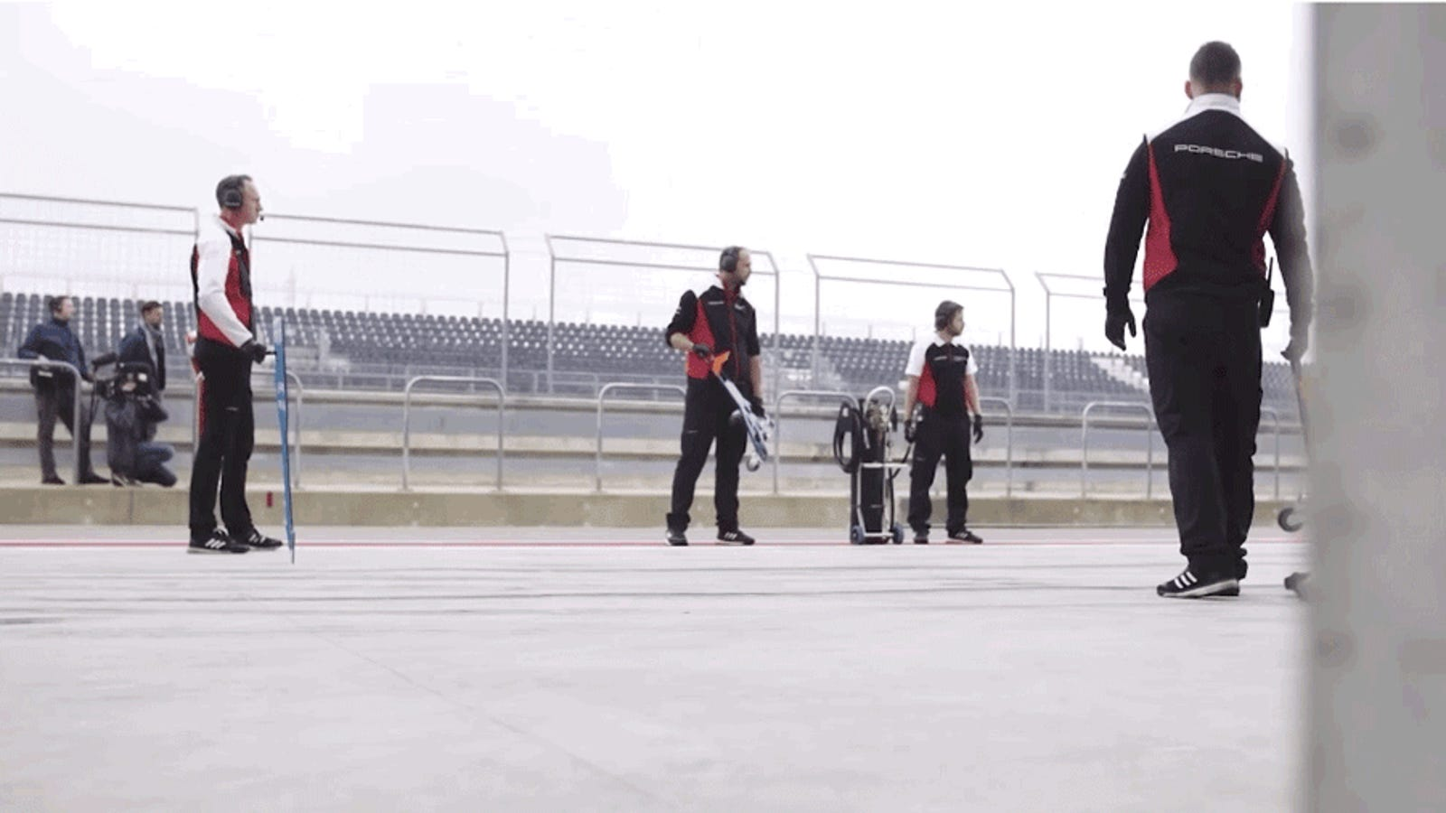 top-gear-explains-how-the-porsche-919-can-think-for-itself