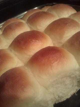 """Illustration for article titled Ever made really good """"dinner rolls""""? No? Follow me..."""