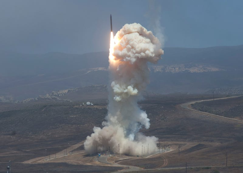 Illustration for article titled Here's What Yesterday's Successful Missile Defense Test Really Means