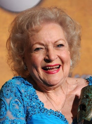 Illustration for article titled Betty White To Host Mother's Day Special With Other SNL  Ladies