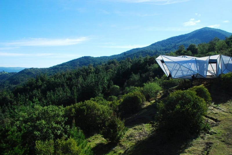 Illustration for article titled An Alien Cocoon? No, It's an Alpine Shelter For Mountain Bikers