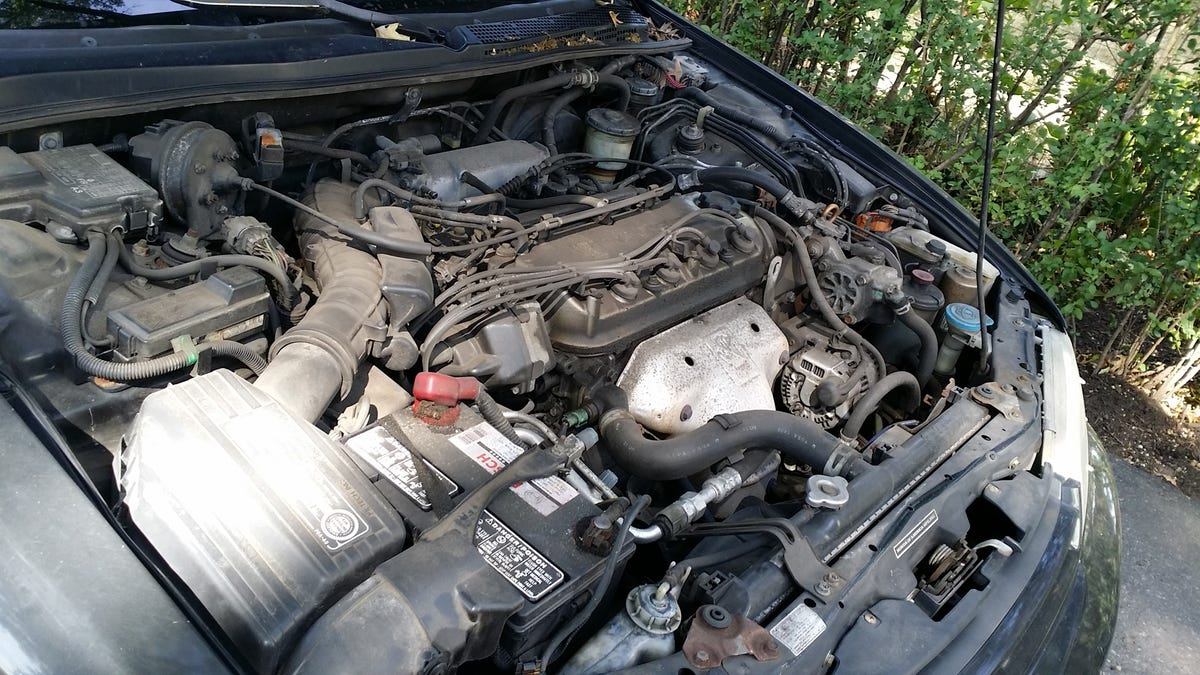 Here\'s How To Clean Your Dirty-Ass Engine Bay Without Screwing It Up