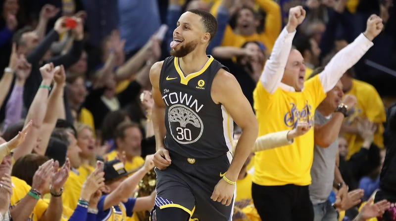 5e3ed37729fc Illustration for article titled Steph Curry Makes The Warriors Invincible