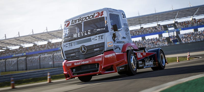Illustration for article titled You CanFinally Drive A 1,000 Horsepower Race Truck In Forza 6