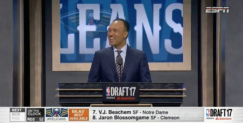 Illustration for article titled Wiseass At NBA Draft Shouts Out Picks Right Before They're Announced