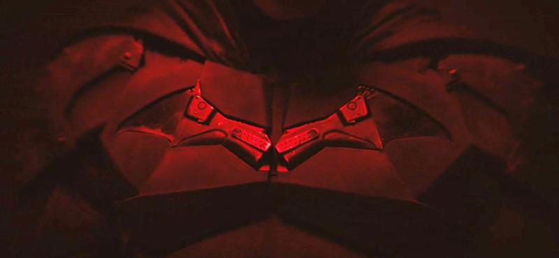 Illustration for article titled El traje del nuevo Batman de Robert Pattinson se ha filtrado por completo