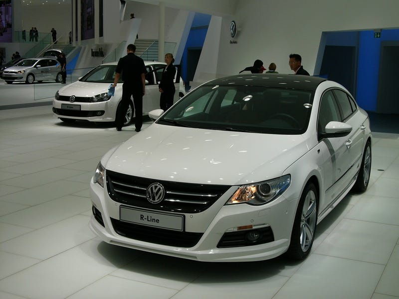 Illustration for article titled Volkswagen Passat CC R-Line: Live Photos