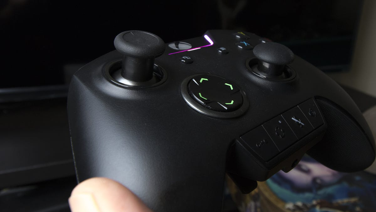 Razer Wolverine Ultimate Controller Review: Elite-ish