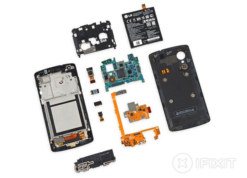 Illustration for article titled Así es el Nexus 5 por dentro: todo muy reparable, excepto la pantalla