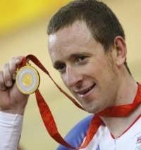Illustration for article titled British Gold Medalist Gets Plastered, Rolls Over a Taxi Bonnet in Celebration
