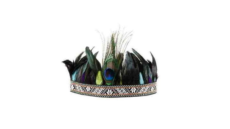 Illustration for article titled Here We Go Again: H&M Pulls Offensive Headdresses From Canadian Stores