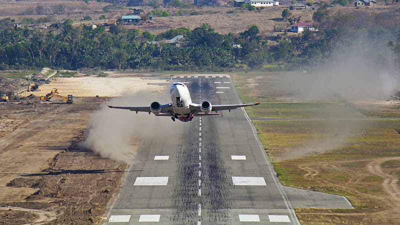Hot weather to put flights at risk