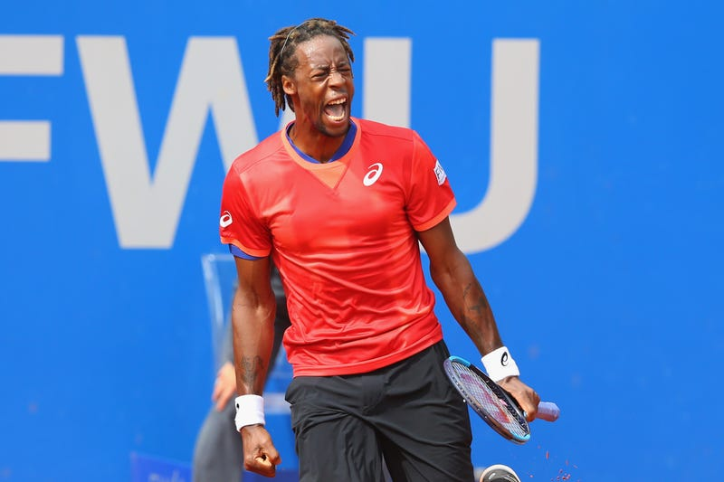 Illustration for article titled Gael Monfils Loses Rackets To Airline Mishap, Loses Match To Inferior Opponent