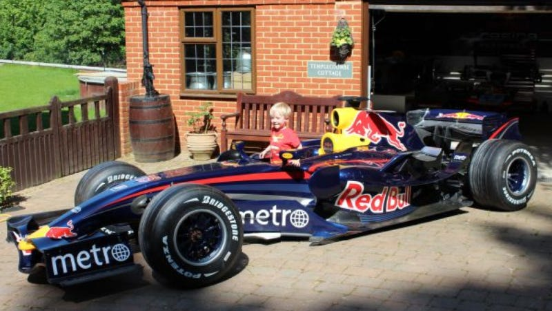 Illustration for article titled For $400,000, This Red Bull Formula One Car Could Be Yours
