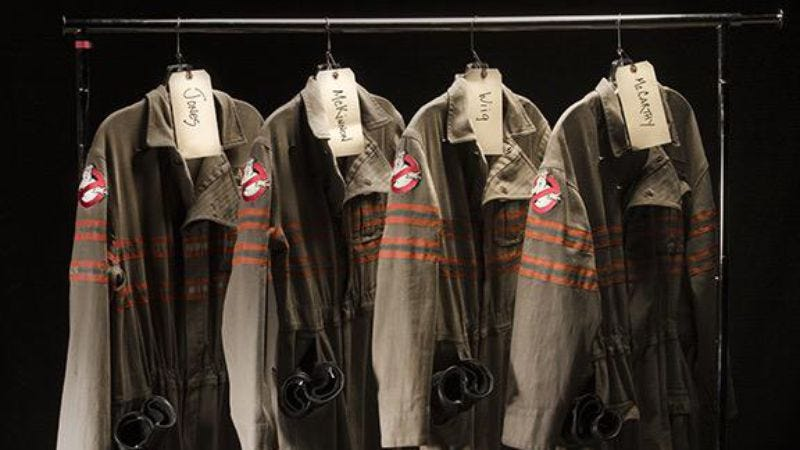 Illustration for article titled UPDATED: Paul Feig unveils updated Ghostbusters uniforms, proton pack