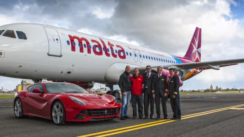 Illustration for article titled Watch A Ferrari F12 Race An Airbus Jet