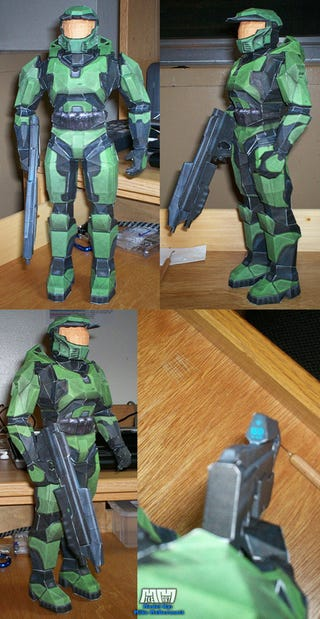 Illustration for article titled Papercraft Master Chief Lacks Corpse Humping Ability