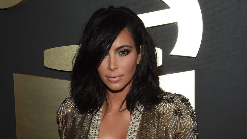 Illustration for article titled Kim Kardashian Is Living Her Best #WifeLife