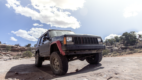 someone just snagged the jeep cherokee barn find of the century