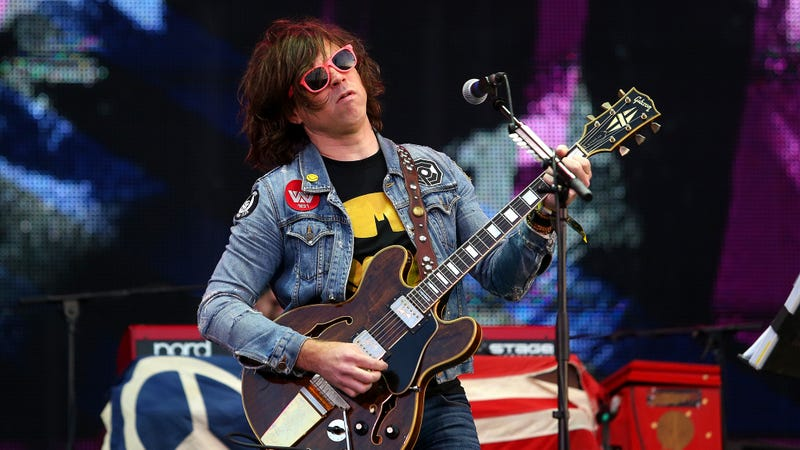 Illustration for article titled Ryan Adams Apologizes For His Rude Mandy Moore Tweets