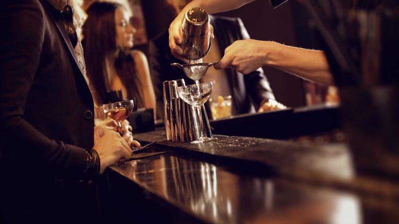 Illustration for article titled Oregon bar suing bartender for $115,000 for being drunk at work