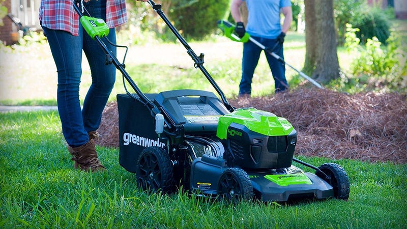 """GreenWorks 21"""" Lawnmower With Two Batteries 