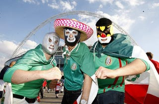 Illustration for article titled Mexico Fans Win Important Football Fancy Dress Battle