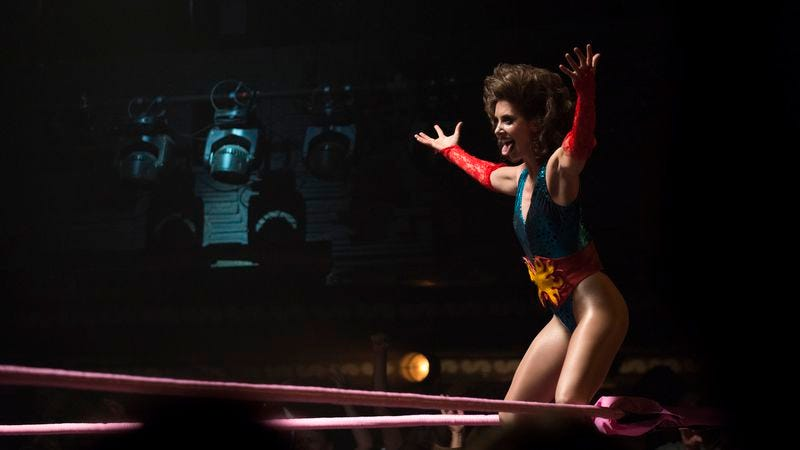 Illustration for article titled Netflix puts GLOW back in the ring for a second season