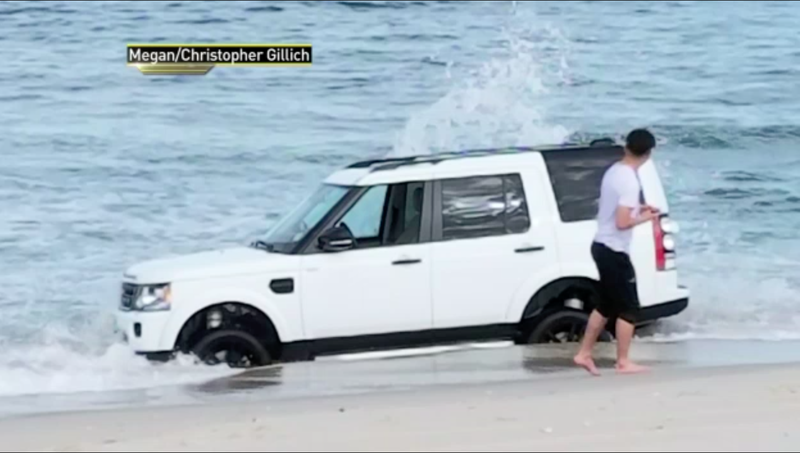 Land Rover gets stuck in surf at New Jersey beach