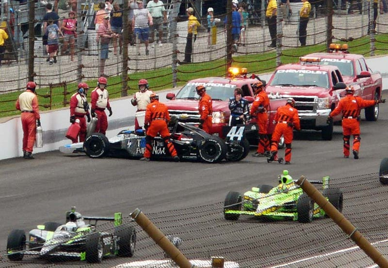 Illustration for article titled Indy 500: Davey Hamilton Hits The Wall In Turn Four