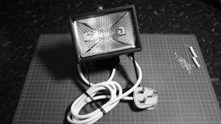 Illustration for article titled Build Your Own Photography Lights For Under $15