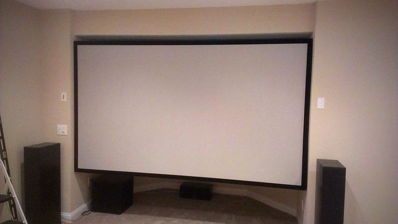Make Your Own Enormous Projector Screen Out of Wood and Spandex
