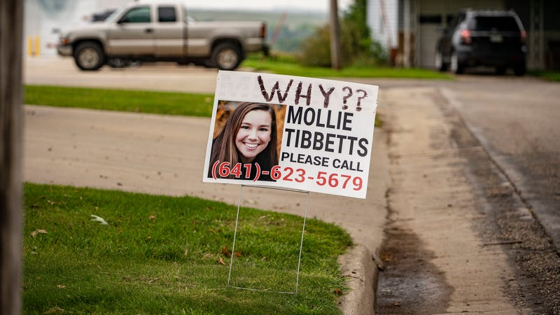 Illustration for article titled How Mollie Tibbetts's Mother Rejected the Anti-Immigrant Politics Some Expected of Her